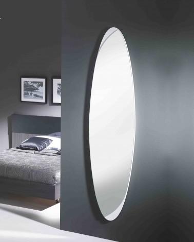 Espejo ovalado de diseño