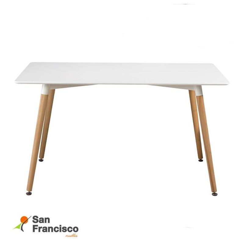 Mesa comedor nórdica tapa fija económica 120X80cm.Tapa lacada color blanco. Patas madera color natural