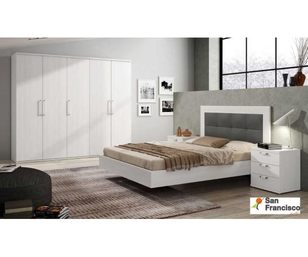 Dormitorio de matrimonio con mesita de 3 cajones