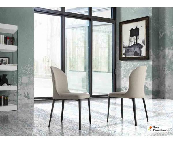 Silla tapizada respaldo curvado y estructura acero inoxidable negro